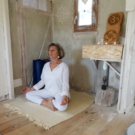 Portrait de Colette Bernadac, professeur de yoga